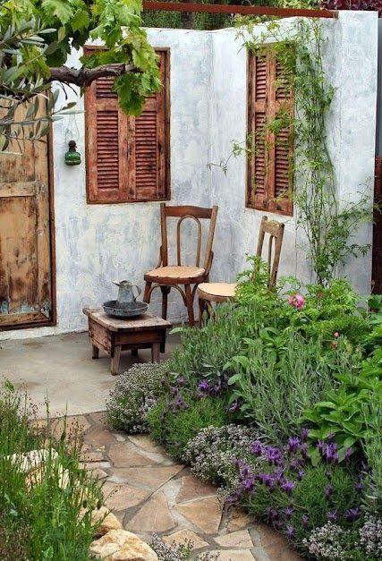 เพิ่มความคลาสสิกให้สวนสวยด้วยบานประตูไม้เก่า รูปที่ 13