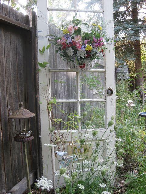 เพิ่มความคลาสสิกให้สวนสวยด้วยบานประตูไม้เก่า รูปที่ 15