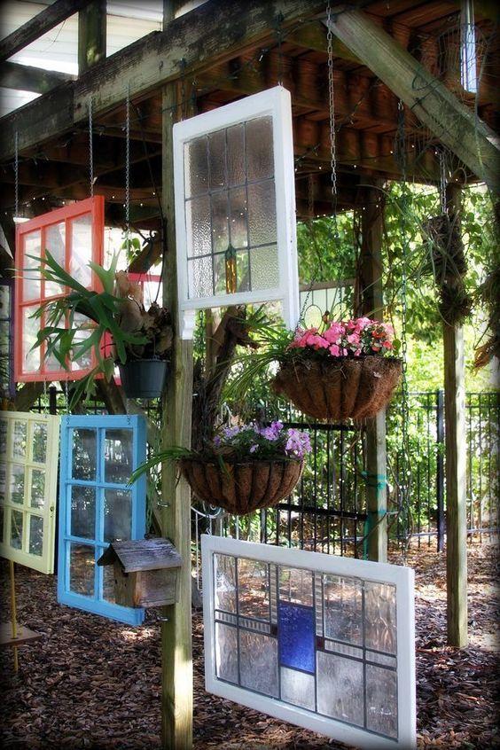 เพิ่มความคลาสสิกให้สวนสวยด้วยบานประตูไม้เก่า รูปที่ 18
