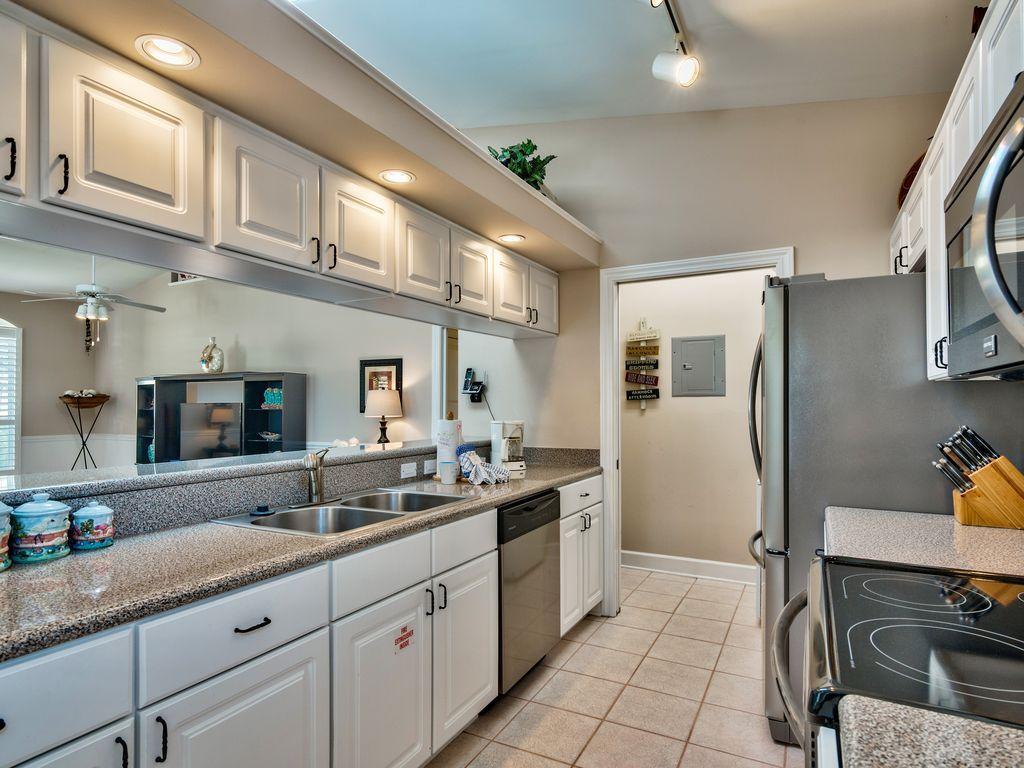 บ้านคอทเทจชั้นเดียว ตกแต่งด้วยสีสันสดใส ขนาด 3 ห้องนอน 2 ห้องน้ำ รูปที่ 8