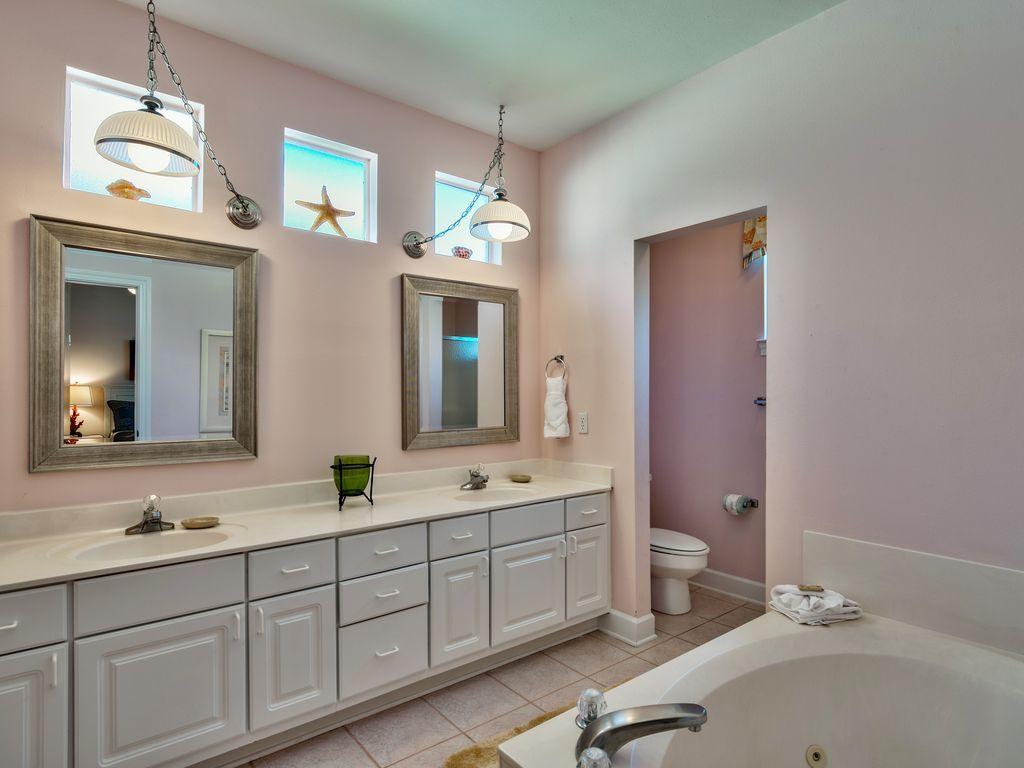 บ้านคอทเทจชั้นเดียว ตกแต่งด้วยสีสันสดใส ขนาด 3 ห้องนอน 2 ห้องน้ำ รูปที่ 14