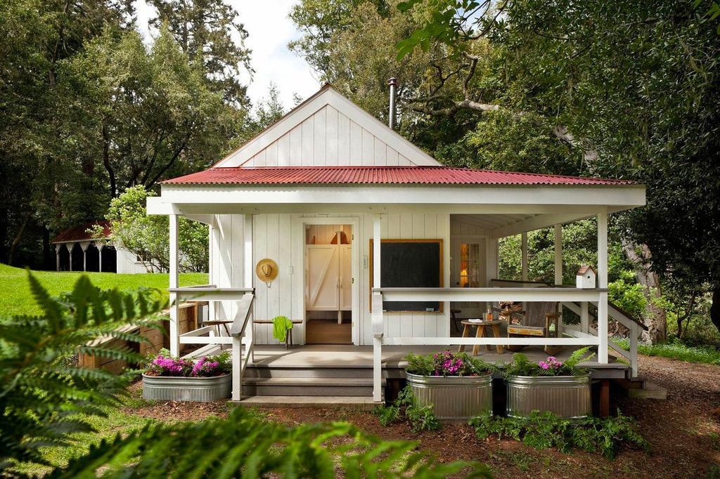 The Farmhouse style บ้านสวนขนาดเล็ก โดดเด่นด้วยดีไซน์จาก RICHARDSON ARCHITECTS รูปที่ 2