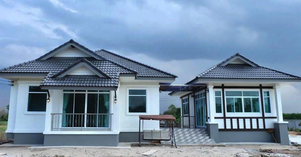 บ้านชั้นเดียวสไตล์ร่วมสมัย ดีไซน์สวยในแบบทรงไทยประยุกต์ ด้วยงบ  2.35 ล้านบาท