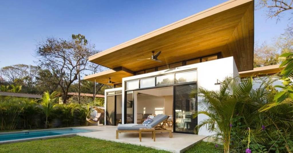ไอเดียสร้างบ้านตากอากาศยกเพดานสูงขนาดย่อมสไตล์รีสอร์ท