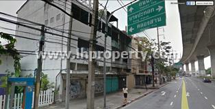 อาคารพาณิชย์ ถนนมไหสวรรค์ 4 คูหา ขายด่วน