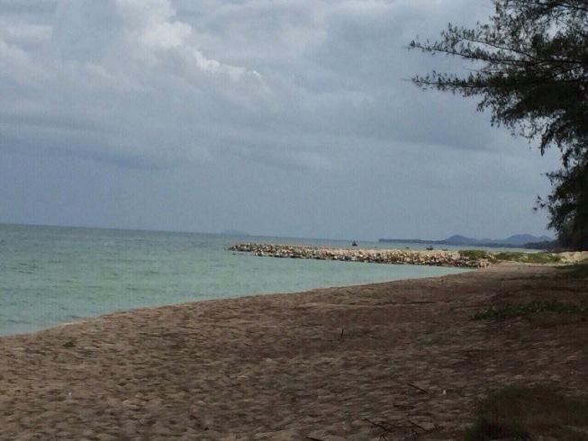 ที่ดิน ทับสะแก บนชายหาด ติดหาดยาวตลอดเนื้อที่ จ.ประจวบ เนื้อที่ 5 ไร่กว่า