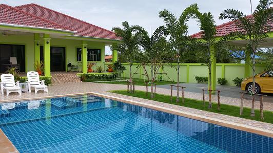 ขายบ้านเดี่ยวชั้นเดียว 600 ตร.เมตร พร้อมสระว่ายน้ำ หมู่บ้านเนินมะยม ถนนในไร่ ใกล้ทะเลหาดแม่รำพึง ระยอง