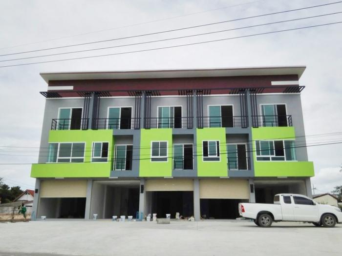 ขายอาคารพาณิชย์ทรัพย์มั่นคง 3 ชั้น 2 ห้องนอน 3 ห้องน้ำ ฟรีดาวน์ ยื่นกู้ฟรี เจ้าของขายเอง