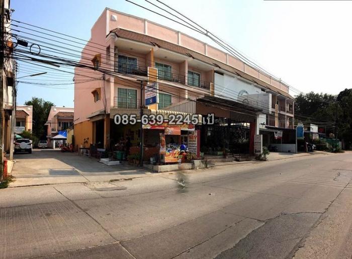 ขายอาคารพาณิชย์ห้องมุม สี่แยกซูดระยอง ทำเลดี 085-639-2245 เป้