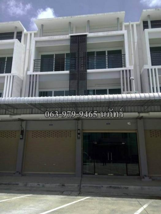 ขายด่วน อาคารพาณิชย์ 3 ชั้น   ลำลูกกา ใกล้ดรีมเวิลด์ 063-9799465 นภัทร์