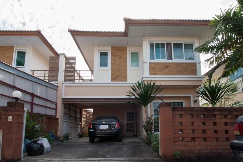 +++ ขาย +++ หมู่บ้านเติมรัก 3 บ้านแฝดโซนบางบัวทอง 2 ชั้น ที่ดิน 40 ตร.วา สงบเป็นส่วนตัว เดินทางสะดวก