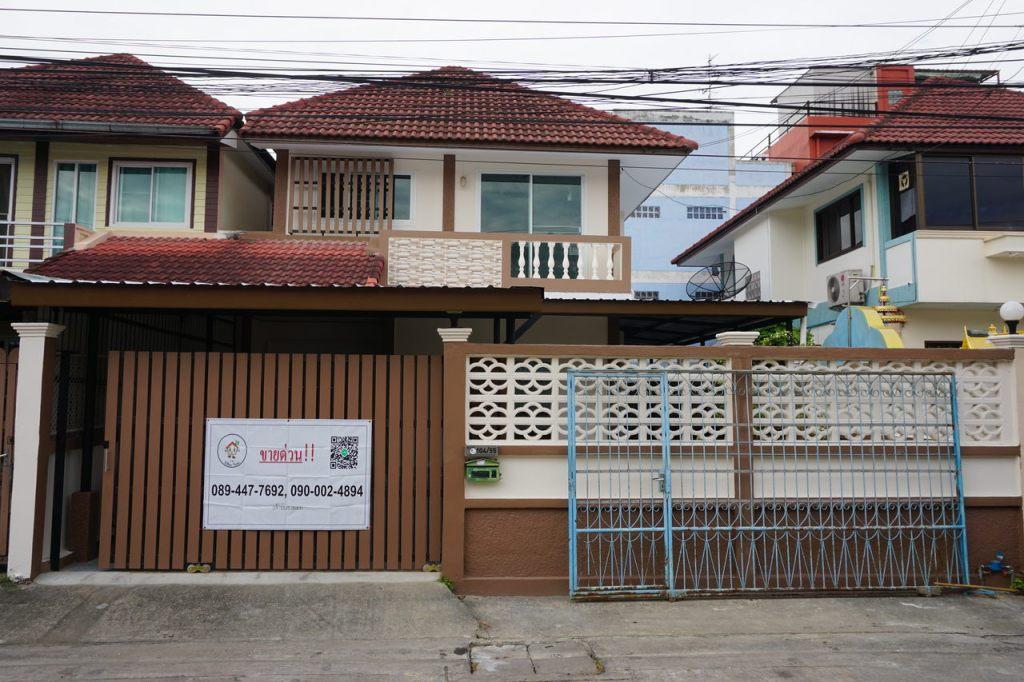 ขายบ้าน พระปิ่น5 - บ้านแฝดหลังใหญ่ ใหม่ทั้งหลัง ทำเลดี ไม่มีค่าส่วนกลาง