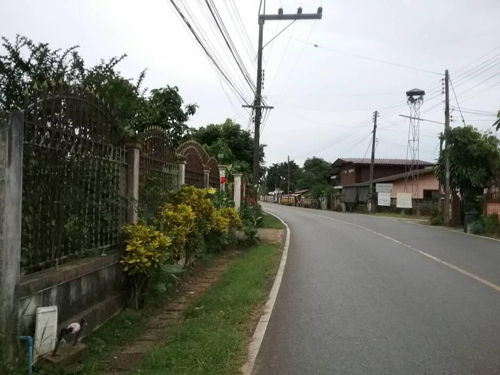 ขายที่ดิน เข้าซอยส่วนตัว บ้านปางลาว ต.บ้านดู่ อ.เมือง จ.เชียงราย ห่างจากสนามบินประมาณ 1.5 กม.  เนื้อที่ 2 งาน  ราคา 2.5 ล้านบาท