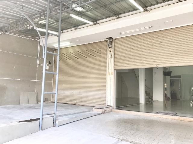 ขายตึก 3ชั้น 3คูหาบนถนนศรีจันทร์ใกล้สนามบินขอนแก่น