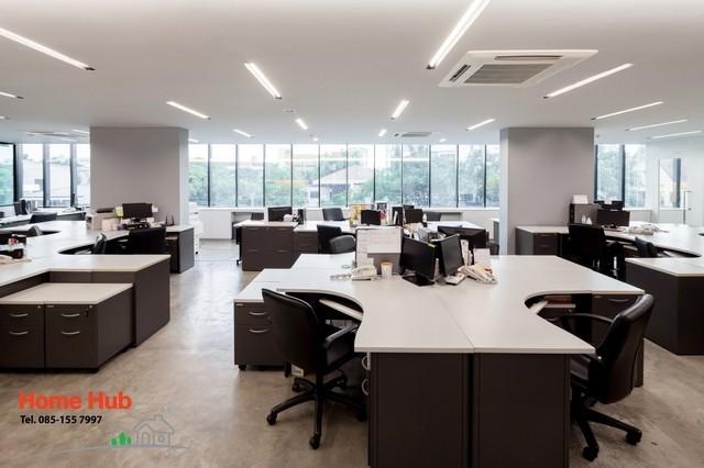 ให้เช่าอาคารสำนักงานทันสมัย ซ.เอกมัย 22 ตารางเมตรละ 550 บาท / เดือน อาคารใหม่ ทันสมัย