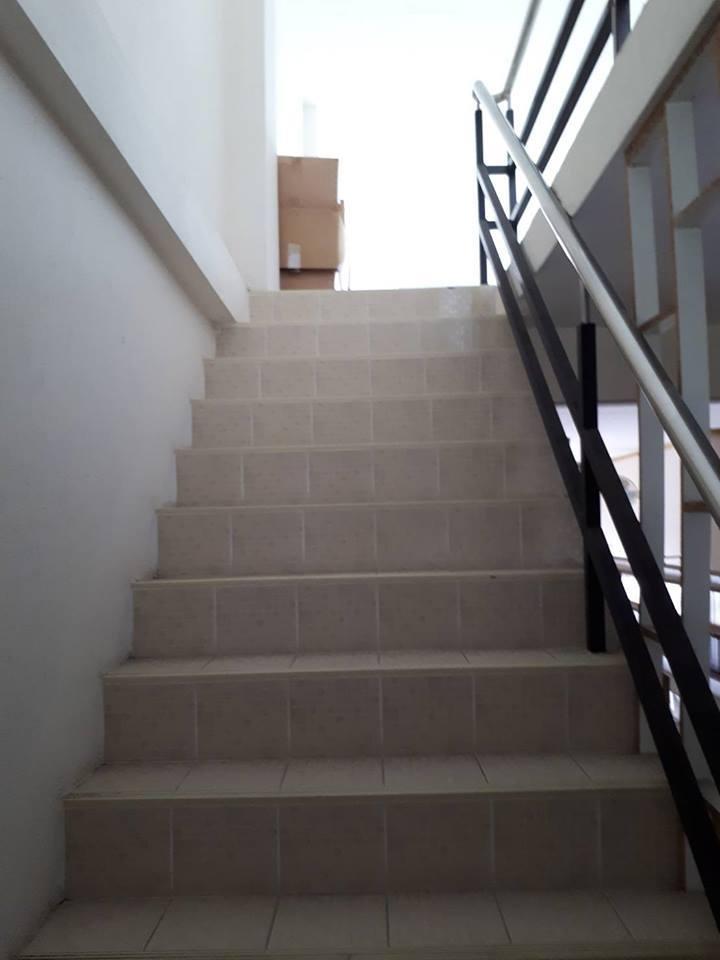 Building 4 floors for sale in Chaiyapuek - Jomtien
