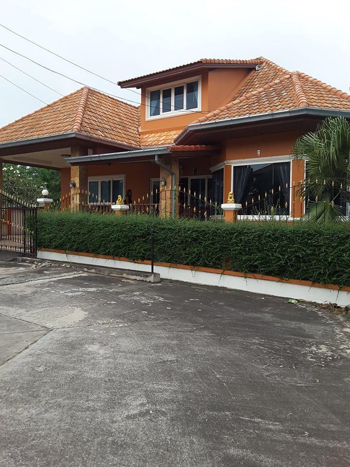 Villa FOR RENT in Village on Theprasit.