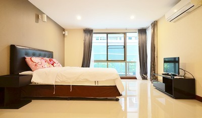 For rent  The Urban Pattaya Condo  76 sq m2  1 BR 1RR the best location in Pattaya with fully furnished