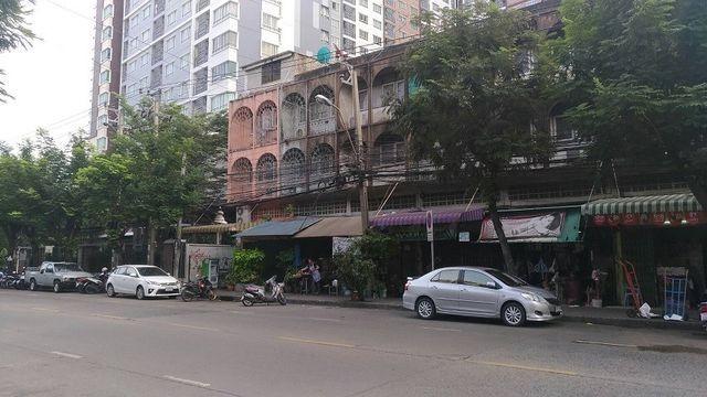 รหัสC1231  ให้เช่าอาคารพาณิชย์ 3ชั้น ริมถนนนนทรี ใกล้ตลาดรุ่งเจริญ เหมาะทำค้าขายและพักอาศัย