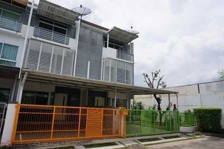NH3 เช่า ทาวน์โฮม บ้านใหม่ พระราม 9 - ศรีนครินทร์ Baan Mai Rama9 – Srinakari  3 ชั้น 3 นอน