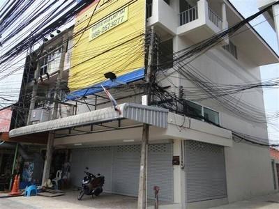 ให้เช่าตึก 2 คูหา ถนนใหญ่แยก ซอยเทพประสิทธิ์ เมือง พัทยา ชลบุรี