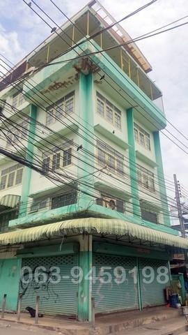 ขายอาคารพาณิชย์   2 คูหา 4ชั้น พร้อมดาดฟ้า   ในซอยกรุงธนบุรี1 ใกล้ BTS วงเวียนใหญ่