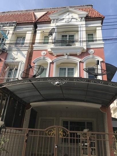 ให้เช่าบ้าน Urban Sathorn 3ชั้น ใกล้ bts บางหว้า ตกแต่งสวย สไตล์ยุโรป เฟอร์นิเจอร์ครบ ห้องริม