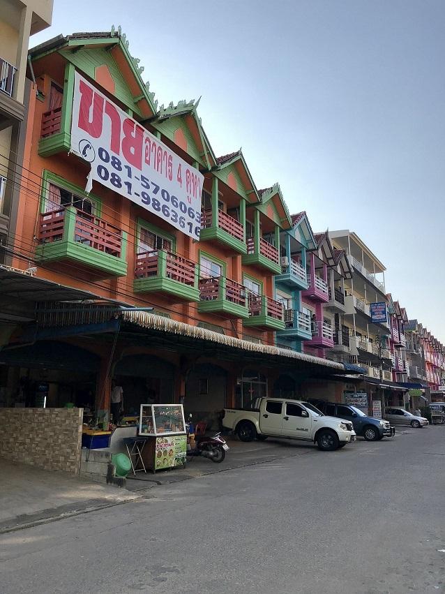 ขายอาคารพาณิชย์ติดชายหาด 4 คูหา อ.ชะอำ จ.เพชรบุรี