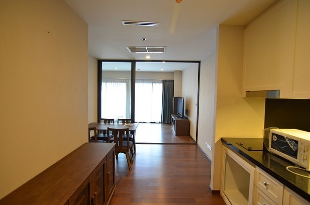 NOBLE REMIX 2 for rent with skywalk from BTS Thonglo 1 Bed 57 sqm 35000 per month
