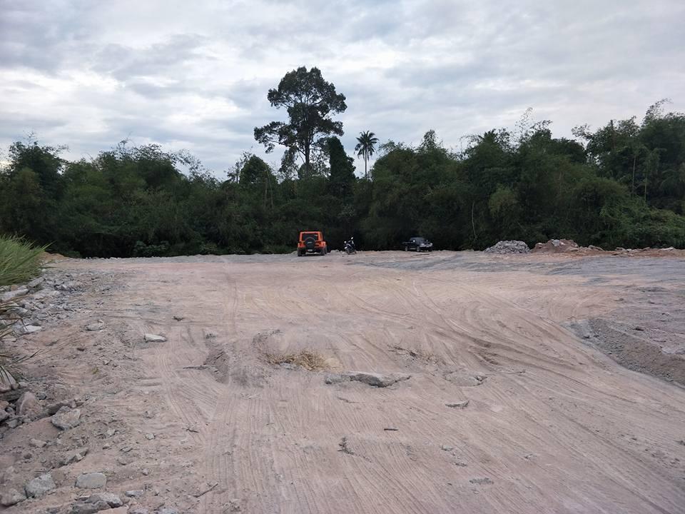 ขายที่ดินฉโนด ชลบุรี ศรีราชา 1 ไร่ 3 งาน 38 ตรว.(แถมฟรีที่ครอบครองติดลำธาร 1 ไร่กว่าๆ) ติดลำห้วย ขาย 7 ล้าน