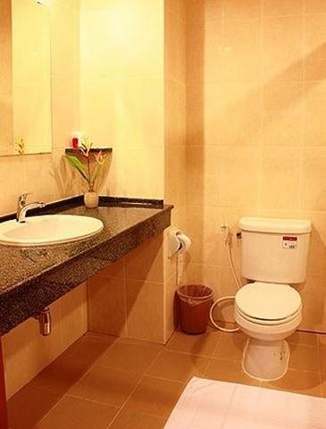 เสนอขายโรงแรมบนเขาพระตำหนัก พัทยาใต้ อ.บางละมุง จ.ชลบุรี จำนวน 74 ห้อง