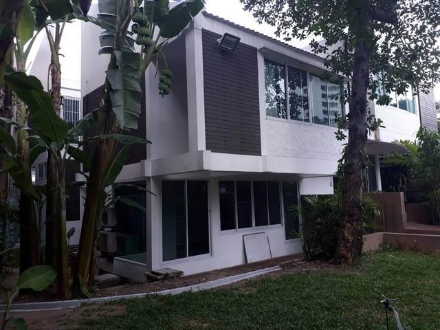 ให้เช่า บ้านเดี่ยวสูง 3 ชั้น พื้นที่ 181 ตรว.(ใช้สอย 600 ตรม.)