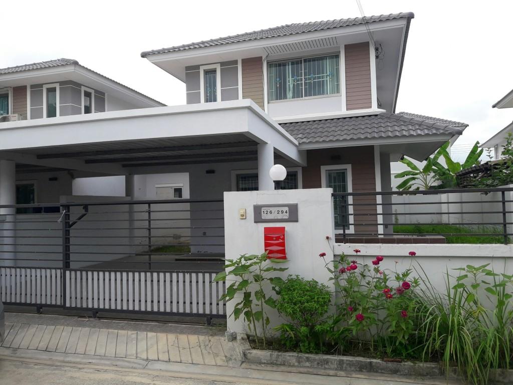 ขาย บ้านแฝด ไลฟ์บางละมุง ชลบุรี เนื้อที่ 48 ตร.วา 2 ชั้น 3 ห้องนอน 2 ห้องน้ำ