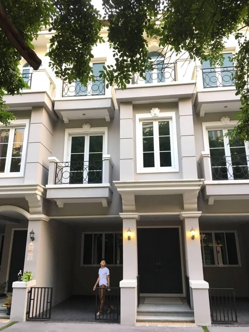 """FOR RENT"" Brand New Townhome In The Heart Of Sukhumvit"