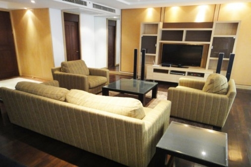 Room for rent All Seasons Place 95000THB 600m from BTS Phloenchit ref-dha180843