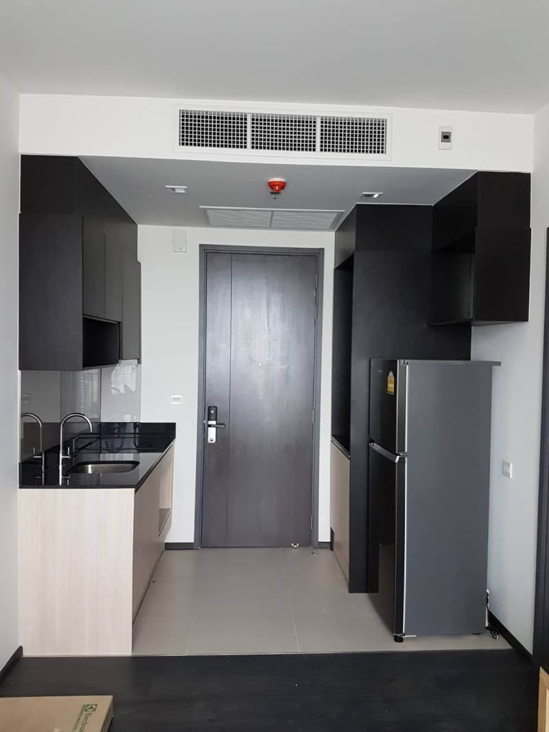 Minimal Style Room The Edge Sukhumvit23 Rent-30K Sale-7MB 33sqm 300m from BTS Asoke ref-dha180853