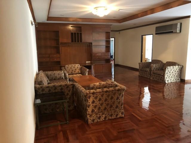 BKK Condo / Mansion for Rent in Sukhumvit Soi 23 near BTS Asoke