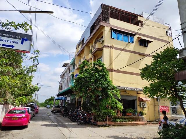 ขายอพาร์ทเมนท์ หอพัก ลาดกระบัง ผู้เช่าเต็ม 30 ห้อง 104 ตรว. พร้อมที่จอดรถและโกดัง