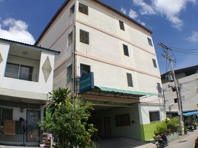 ขาย Apartment พัทยากลาง  ซอย เพนียดช้าง รายได้ดี ขายขาดทุน ต่อรองได้ 083-626-9789