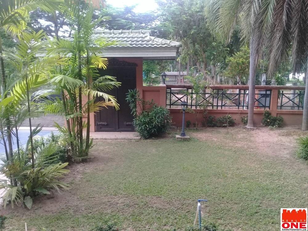 บ้านพร้อมที่ดิน โกลเด้นมาบประชัน โป่ง บางละมุง ชลบุรี 213 ตร.ว.