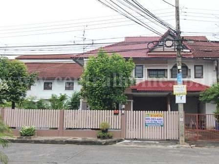 ขายบ้านแฝด 70 ตร.ว. หมู่บ้าน ซื่อตรง รัตนาธิเบศร์ ใกล้ สถานีรถไฟฟ้า BTS ไทรม้า