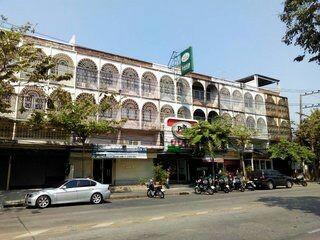 ขาย อาคารพาณิชย์ ปากซอยลาดพร้าว 71 ขนาด 3.5 ชั้น 2 คูหา 68 ตรว ต้นซอย ลาดพร้าว 71 นาคนิวาส วังทองหลาง กรุงเทพ