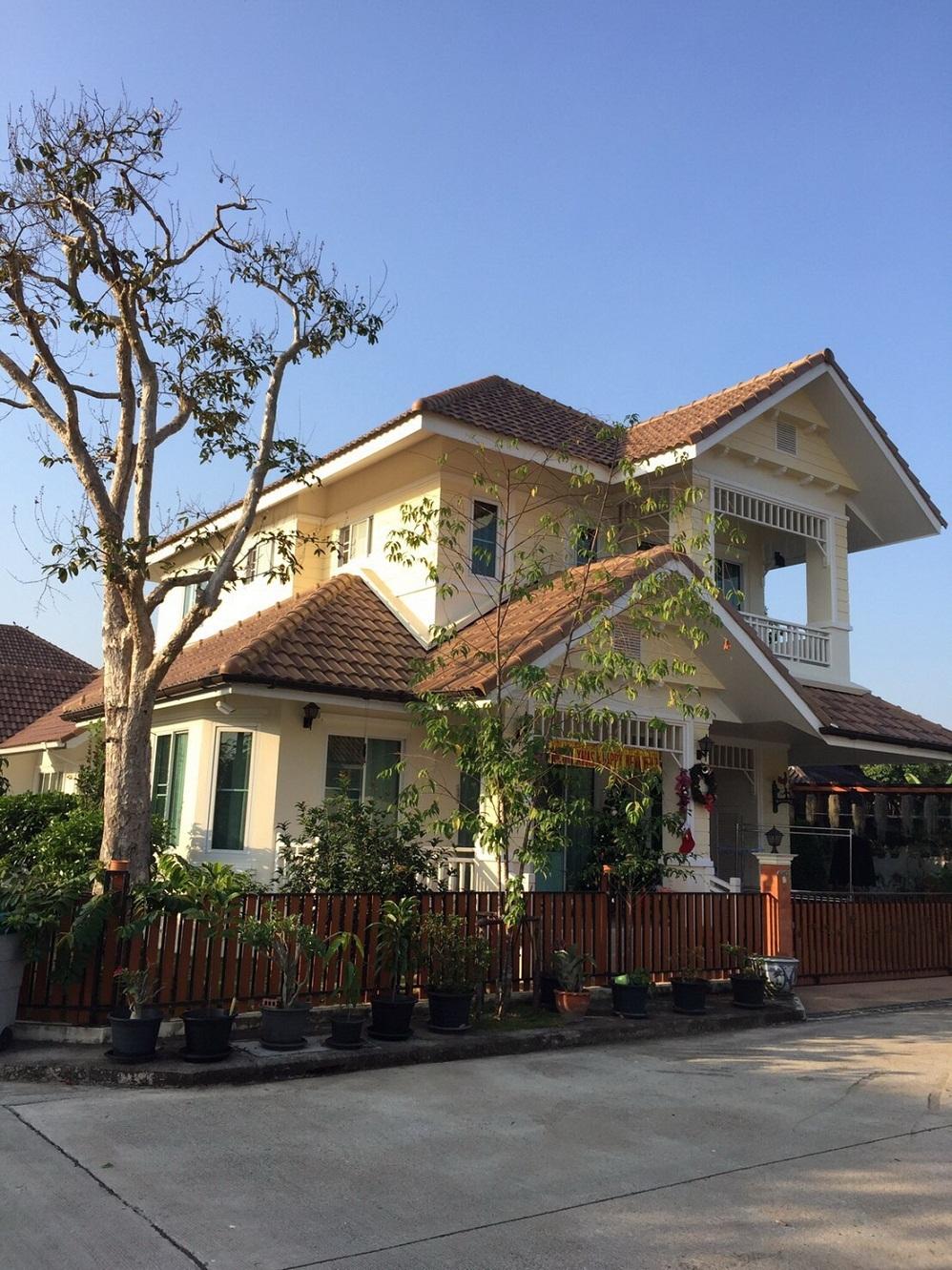 บ้าน 2 ชั้นในหมู่บ้านจัดสรรตกแต่งด้วยวัสดุเกรด A คุ้มค่าคุ้มราคา อ.สันทราย(สายเก่า) เชียงใหม่