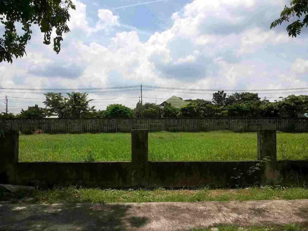 ขาย ที่ดินเปล่า หมู่บ้านปัญญาอินทรา P2 เนื้อที่ 1 ไร่ 76 ตรว. เงียบสงบ บรรยากาศดี