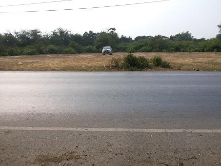 ที่ดิน  1 ไร่ 3 งาน 96 ตารางวา จังหวัดนครปฐม ที่ห่างจากถนน 4 เลนส์ 150 เมตร สนใจติดต่อ คุณนี 099-6084359