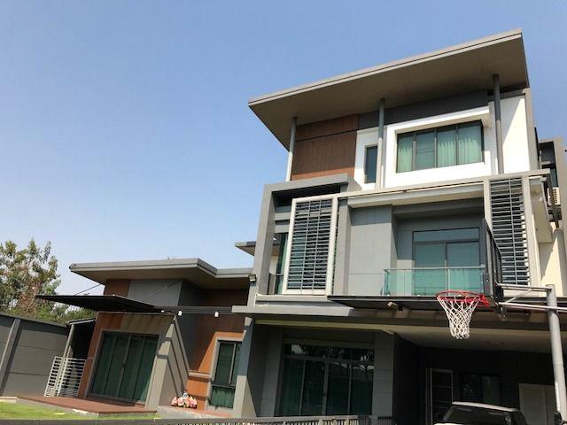 บ้านเดี่ยว 3ชั้น หลังมุม โครงการ นาราสิริ ไฮด์อเวย์ Narasiri Hideaway เอกมัย-รามอินทรา