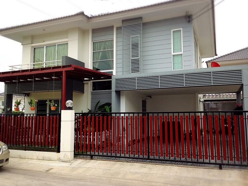 ขายบ้านเดี่ยวหมู่บ้านพฤกษานารา หนองมน ชลบุรี  บ้าน 2ชั้น มี 3 ห้องนอน 2 ห้องน้ำ 2ห้องครัว 2ที่จอดรถ ขนาด64.4 ตรว พร้อมเครื่องใช้ไฟฟ้า และ เฟอร์นิเจอร์