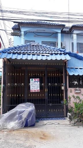 ขายบ้านทาวน์เฮ้าส์ 2  ชั้น  พื้นที่ 17 ตร.ว  หมู่บ้านสุขใจ 3  อ.เมือง จ.ชลบุรี พร้อมอยู่ พร้อมโอน