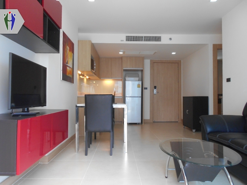 Condo for Rent Pratumnak Hill (17,000 baht/month for 1 year contract).